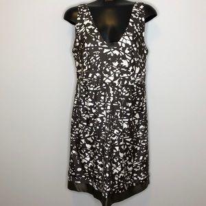 BANANA REPUBLIC 100% silk V-neck sleeveless dress